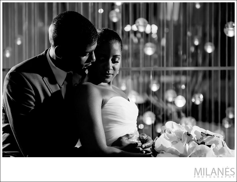 wedding_bride_groom_portrait_black_white_modern_creative